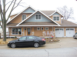 lake-michigan-house-front-15col.jpg